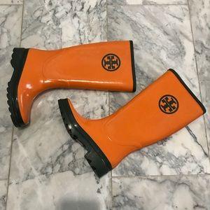 Tory Burch Orange / forest green logo boots Sz 7.5